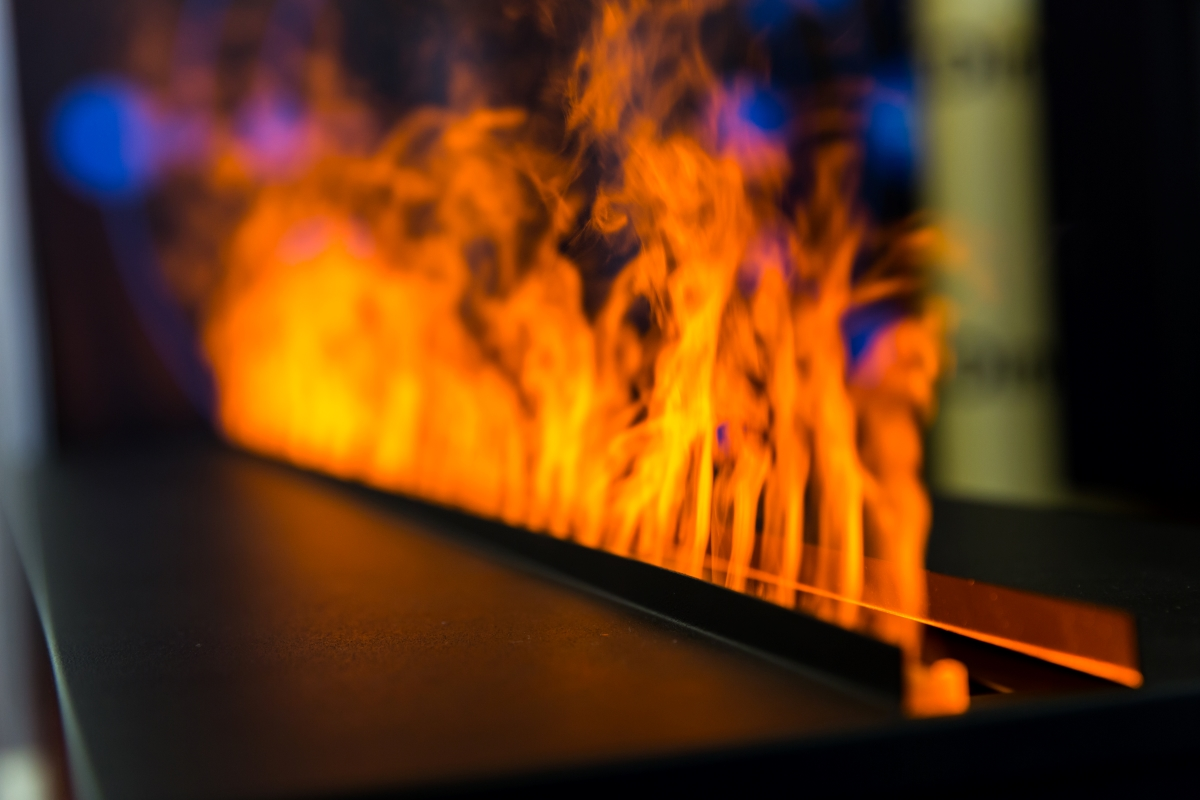 flame-line-from-gas-fireplace-closeup-6YPW5FX