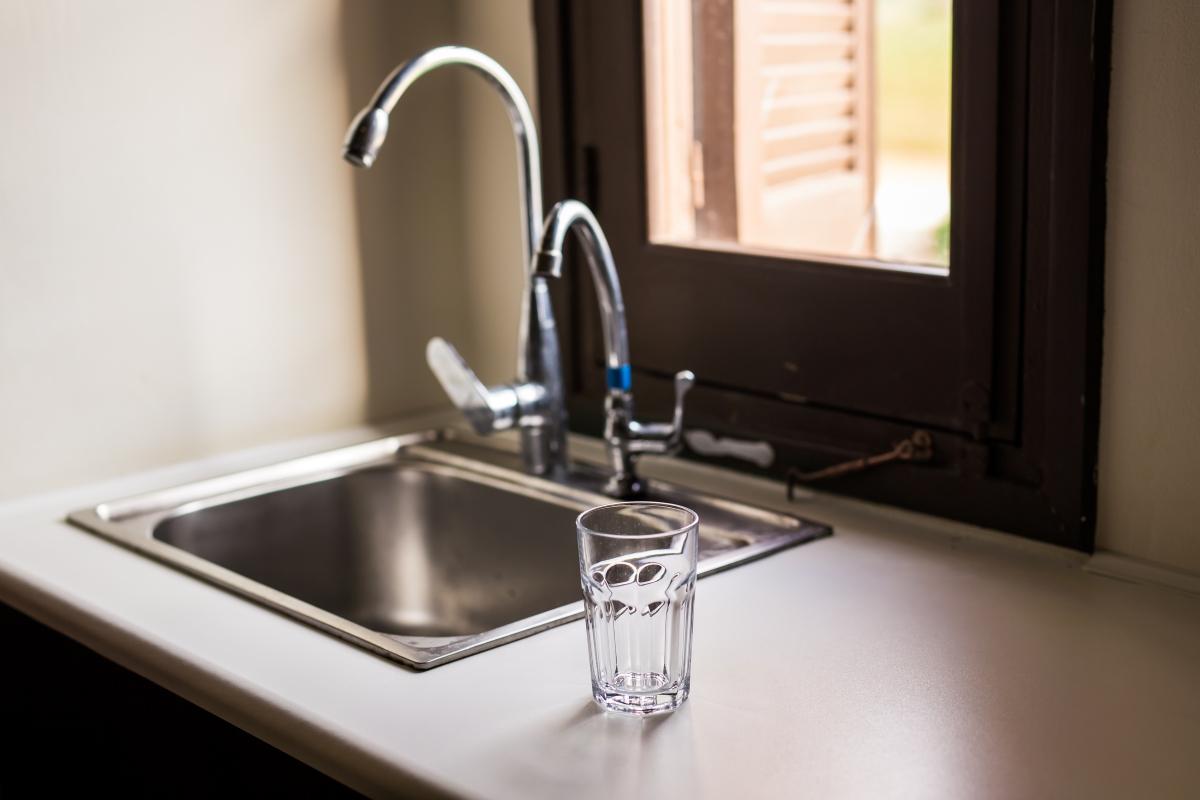 empty-glass-for-water-juice-or-milk-PP3CWXT